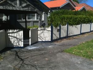 Residential – Bifold Gate