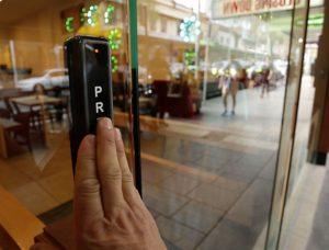 Sliding Door System – SparQling Restaurant